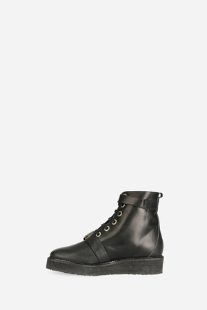 Calfskin leather crepe boots